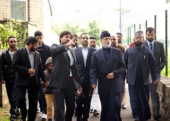 Shaykh-ul-Islam visits Bradford, Mega Project site