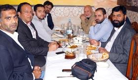 سوشلسٹ پارٹی کے حافظ عبدالرزاق صادق کا منہاج القرآن سپین کے نو منتخب عہدیداران کے اعزاز میں عشائیہ