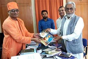 انڈیا: سید ناد علی کی ممتاز ہندو راہنماء شری سوامی نخلسوار نندا سے ملاقات