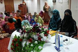 سپین: اولاد کی کردار سازی ماں کی اولین ذمہ داری ہے: غزالہ حسن قادری کا تربیتی نشست سے خطاب