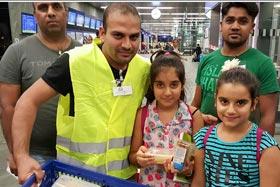 آسٹریا: منہاج ویلفیئر فاؤنڈیشن کی شامی پناہ گزینوں کو اشیائے خوردونوش اور قانونی مدد کی فراہمی