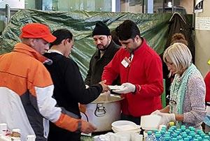 آسٹریا: منہاج ویلفیئرفاؤنڈیشن کی پناہ گزین کیمپ میں کھانے کی فراہمی
