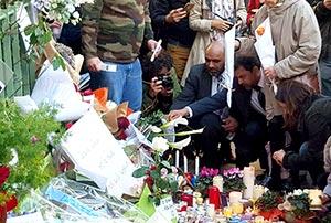 فرانس: پاکستان عوامی تحریک فرانس کے وفد کی تعزیتی تقریبات میں شرکت، یادگار پر پھول چڑھائے