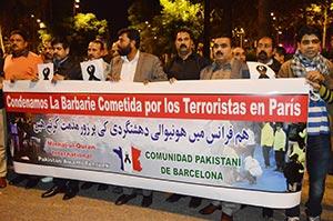 سپین: منہاج القرآن انٹرنیشنل کی پیرس حملوں کے خلاف احتجاجی ریلی