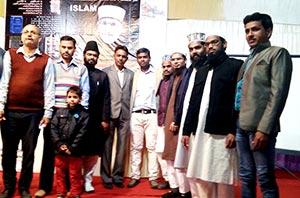 انڈیا: شیخ الاسلام ڈاکٹر طاہرالقادری کے مرتب کردہ 'نصابِ امن' کی تشہیری مہم