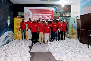 انڈیا: منہاج القرآن ویلفیئر فاؤنڈیشن حیدرآباد کی طرف سے مختلف ہسپتالوں میں فوڈ پیکٹس کی تقسیم