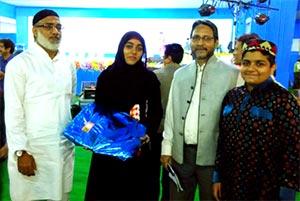 انڈیا: مقابلہ حسنِ نعت میں اول پوزیشن حاصل کرنے پر منہاج القرآن کولکتہ کی سفیہ طارق کو مبارکباد