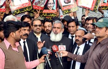 ''وفاق اور صوبے کے حکمرانوں نے ڈاکٹر طاہرالقادری کے پاکستان آنے کے اعلان پر سنگین نتائج کی دھمکیاں دیں''