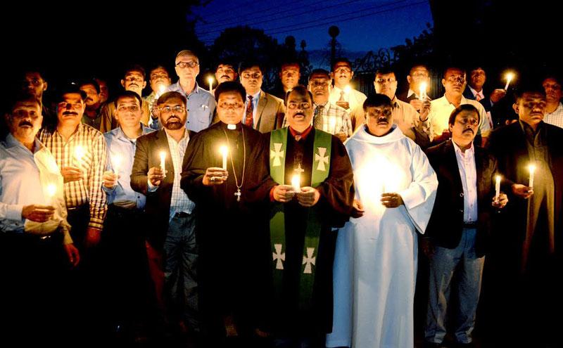 گلشن اقبال پارک میں متاثرین دہشتگردی کی یاد میں دعائیہ تقریب