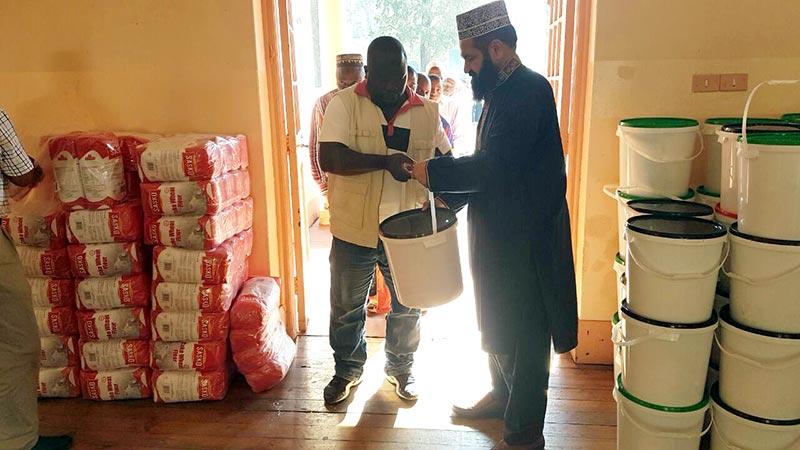 جنوبی افریقہ: منہاج ویلفیئر فاؤنڈیشن کی طرف سے مستحق افراد کے لیے رمضان پیکج کی تقسیم