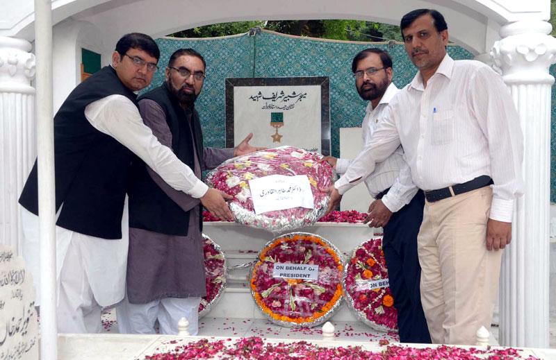 فوج نے پاکستان کی بقاء کیلئے قابل فخر قربانیاں دیں: پاکستان عوامی تحریک