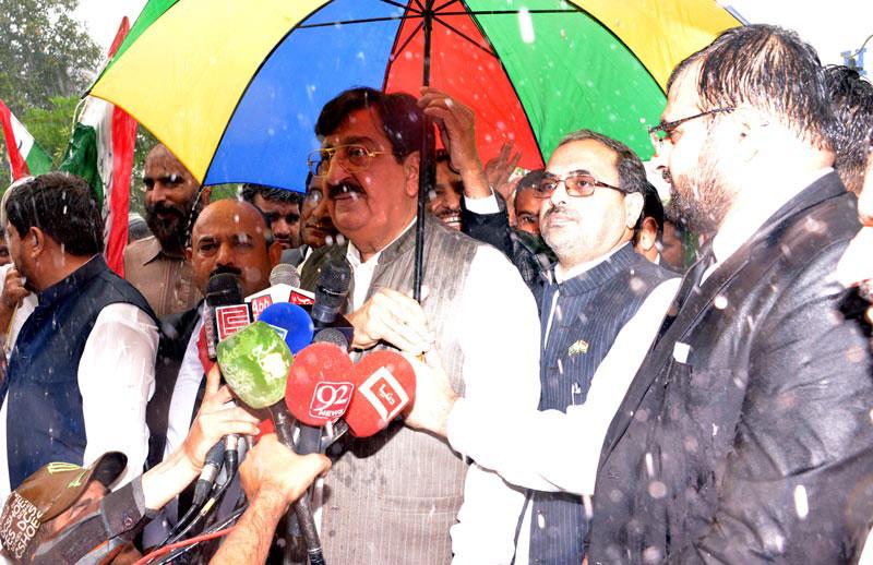 Sharif brothers ordered us to stop Dr Tahir-ul-Qadri from coming to Pakistan: Khurram Nawaz Gandapur
