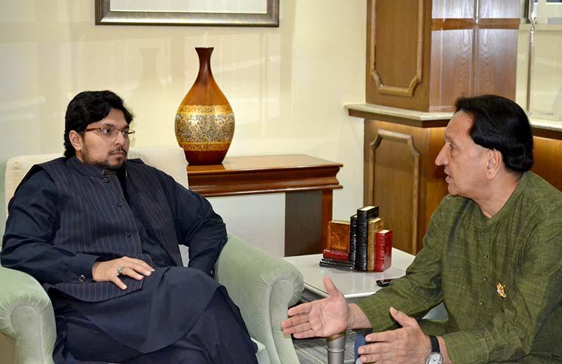 Cricketer Abdul Qadir calls on Dr Hussain Mohi-ud-Din Qadri