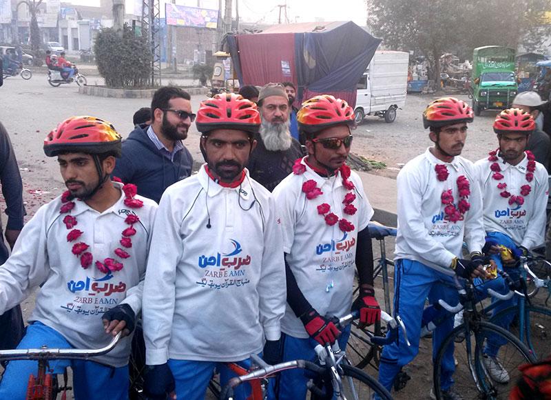 ضرب امن سائیکل کاررواں کے گوجرانولہ پہنچنے پر استقبال
