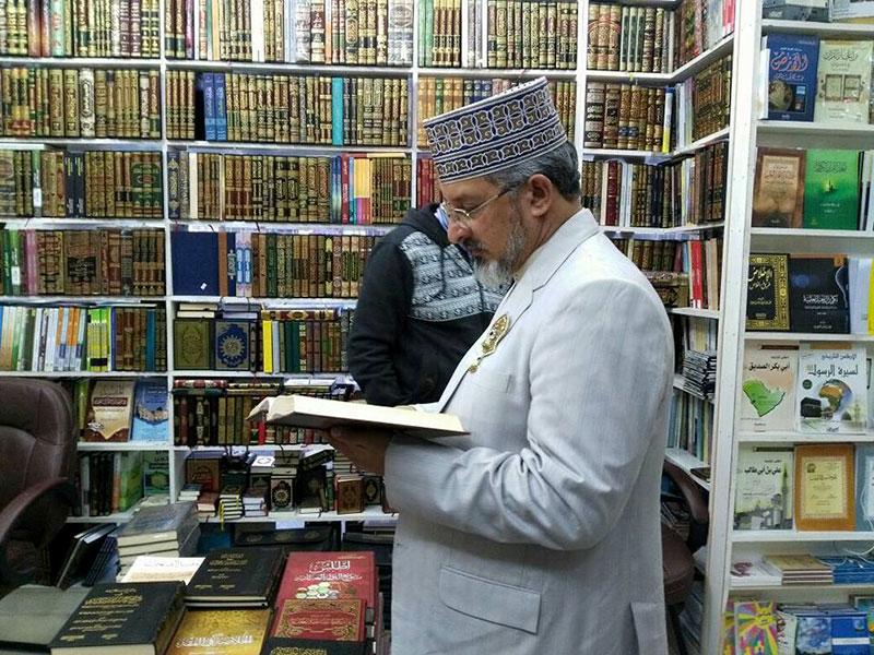 کویت: علامہ حسن میر قادری کا لائبریرز کا دورہ