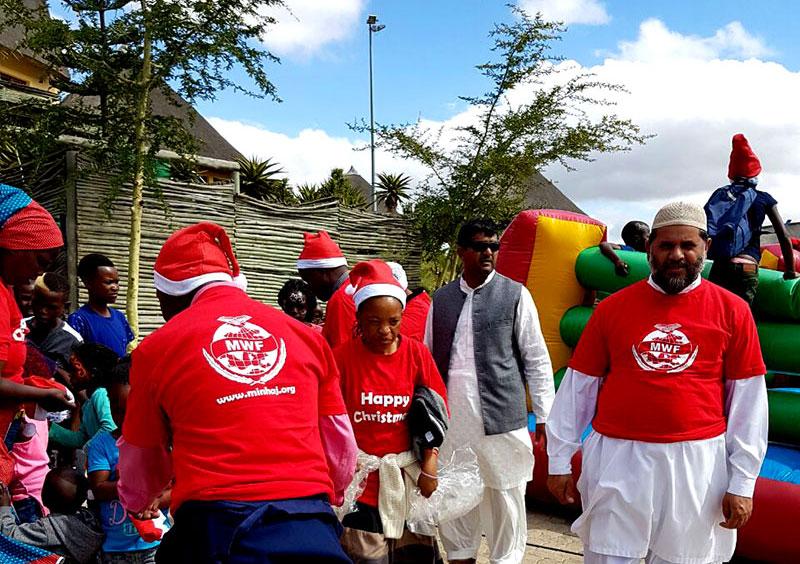 منہاج ویلفیئر فاؤنڈیشن جنوبی افریقہ کی کرسمس گفٹ تقسیم کرنے کی تقریب