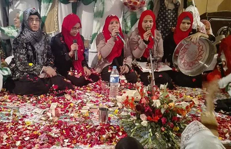 پتوکی میں خواتین کی محفلِ میلاد
