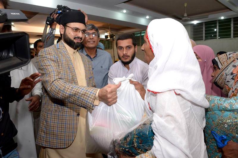 منہاج القرآن ویمن لیگ کے ذیلی ادارے وائس کے زیراہتمام رمضان پیکیج تقسیم کرنے کی تقریب