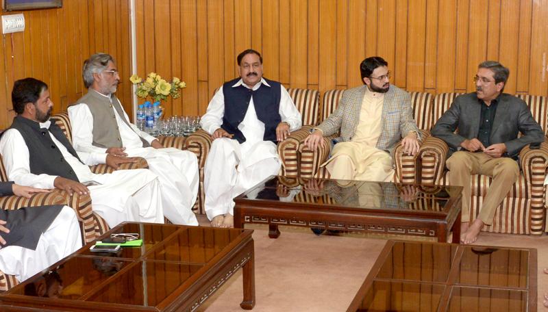 ڈاکٹر حسن محی الدین سے مخدوم سید احمد محمود کی ملاقات، سیاسی صورتحال پر تبادلہ خیال