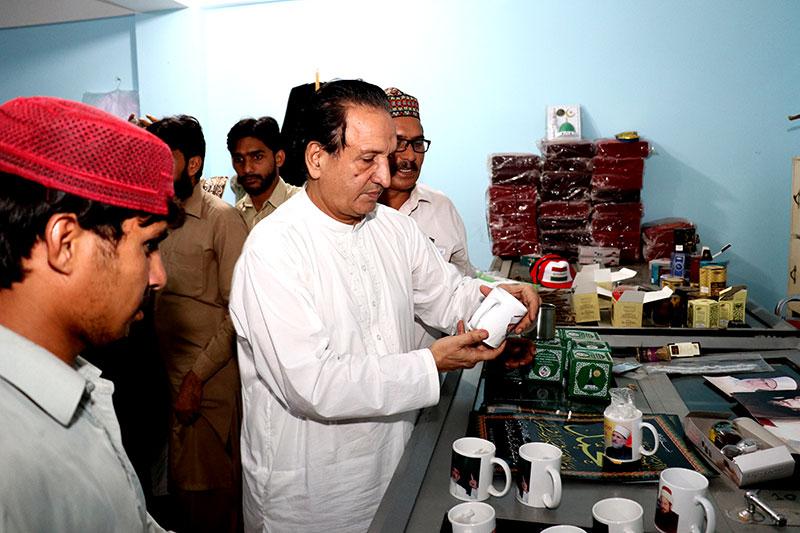 سابق ٹیسٹ کرکٹر عبدالقادر کی شہراعتکاف آمد