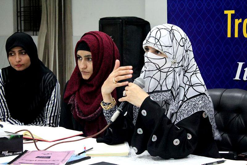 خواتین شہراعتکاف میں تحصیلی ناظمات سے میٹنگ