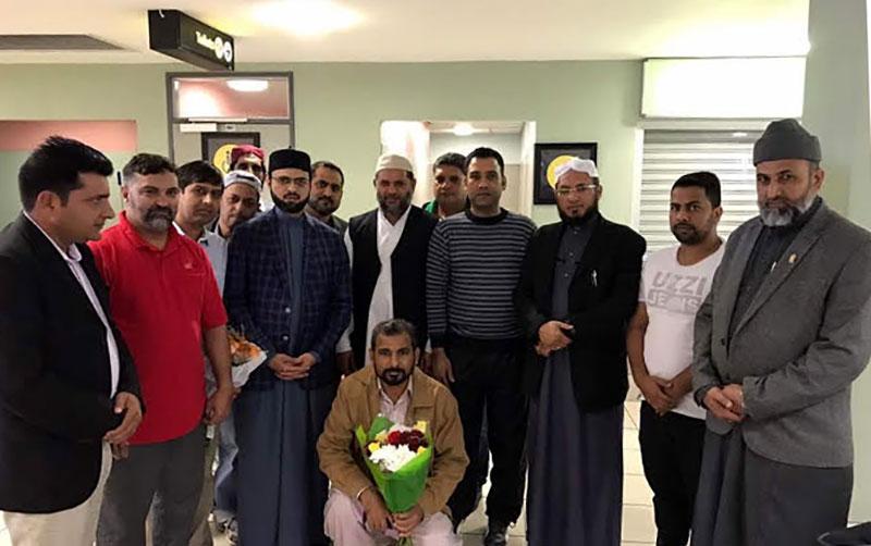 ڈاکٹر حسن محی الدین قادری کا ایسٹ لندن ائرپورٹ پر استقبال