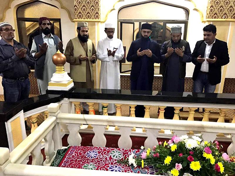جنوبی افریقہ: ڈاکٹرحسن محی الدین قادری کی صوفی باوا کے مزار پر حاضری