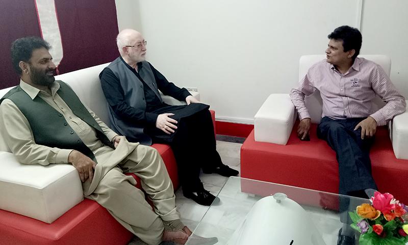 پاکستان عوامی تحریک کے مرکزی صدر قاضی زاہد حسین کا بول  چینل کا وزٹ