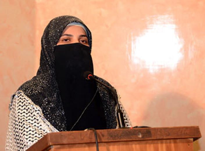 نسلوں کی تربیت کیلئے خواتین کوسیدہ کائنات سلام اللہ علیہا کے دامن سے وابستگی اختیار کرنا ہو گی: فرح ناز