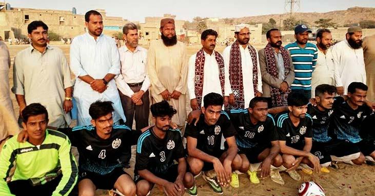 ''امن بذریعہ کھیل'' فٹبال ٹورنامنٹ کی افتتاحی تقریب میں عوامی تحریک کراچی کے  قائدین کی شرکت