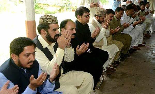 ڈاکٹر رحیق احمد عباسی کے بھائی کے ایصال ثواب کیلئے دعائیہ تقریب