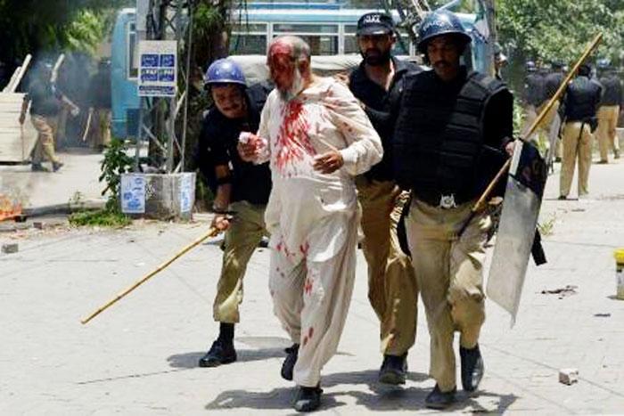 وکلاء عوامی تحریک نے انسداد دہشتگردی عدالت میں پولیس تشدد اور فائرنگ کی ویڈیو دکھا دی