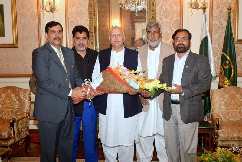 منہاج القرآن کے سینئر رہنماؤں کی گورنر پنجاب چودھری محمد سرور سے ملاقات