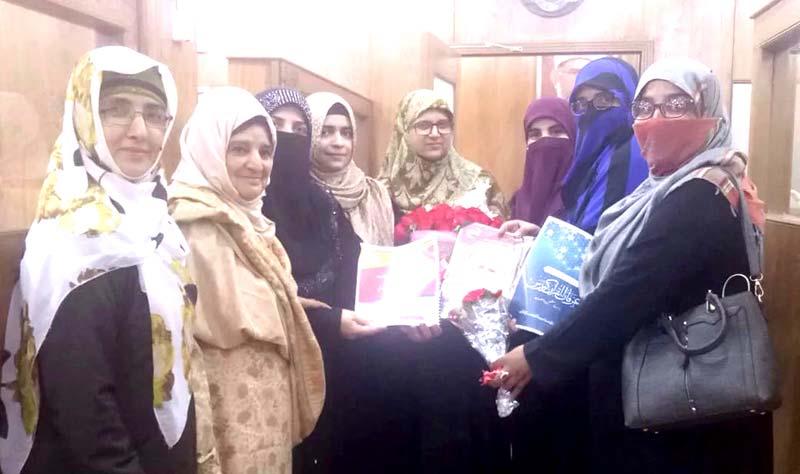 منہاج ویمن لیگ تحصیل جہلم کی صدر محترمہ صفیہ رفعت کی مرکزی صدر ویمن  لیگ محترمہ فرح ناز سے ملاقات