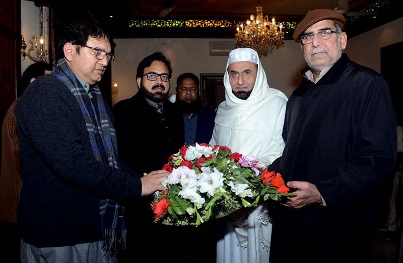 ڈاکٹر طاہرالقادری کا مولانا طارق جمیل کو ٹیلی فون، جلد صحتیابی کیلئے دعا کی