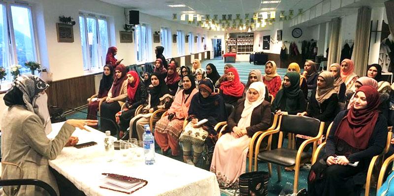Oslo: Dr Ghazala Hassan Qadri addresses organizational training meeting