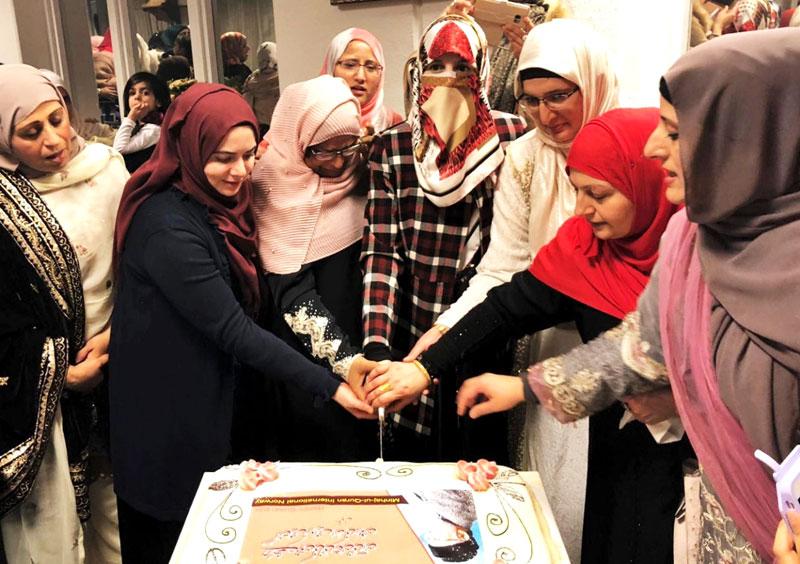 Oslo: Dr Ghazala Hassan Qadri participates in a cake cutting ceremony on Quaid Day celebrations