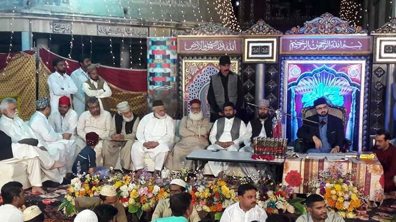 سانگلہ ہل: ڈاکٹر حسن محی الدین قادری کا محفل میلاد میں خطاب