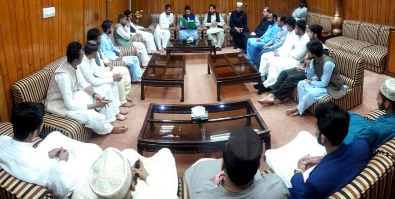 یوتھ لیگ حافظ آباد کے رہنماؤں کی ڈاکٹر حسین محی الدین قادری سے ملاقات