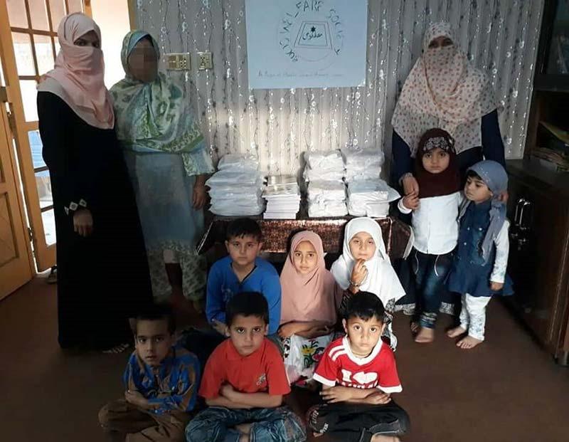 ایم ایس ایم سسٹرز جہلم کے زیراہتمام بچوں کے مفت نوٹ بکس کی تقسیم