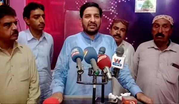 مظہر محمود علوی کی پریس کلب روجھان میں میڈیا بریفنگ