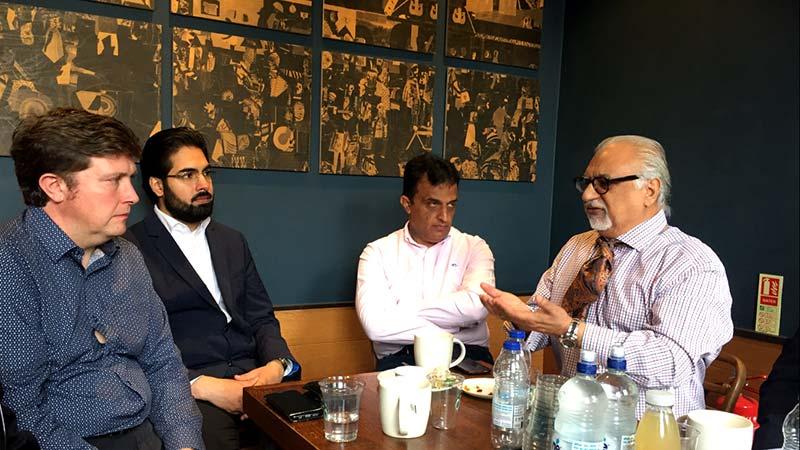 شیخ محمد قاسم الازہری کی MP Mr.Andrew Lewer سے ملاقات
