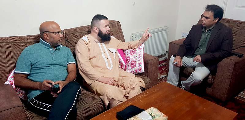 کارلو اسلامک سینٹر کے امام و خطیب الشیخ عبدالحق کی منہاج القرآن آئرلینڈ کے صدر وسیم بٹ سے ملاقات