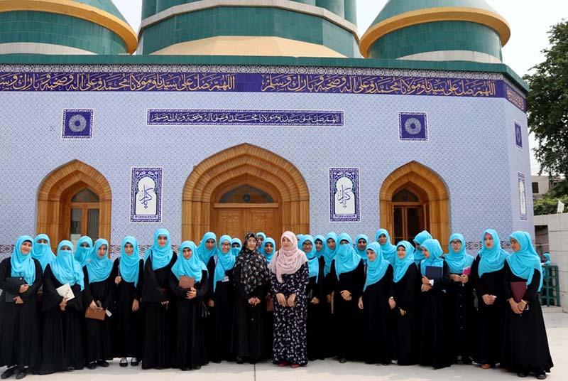 منہاج کالج برائے خواتین کی طالبات کا مرکزی سیکرٹریٹ کا مطالعاتی دورہ