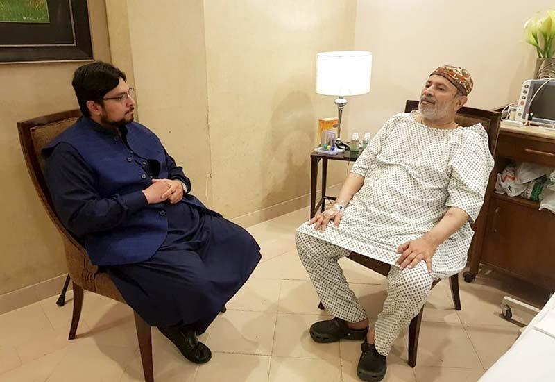 ڈاکٹر حسین محی الدین قادری کی خواجہ معین الدین محبوب کوریجہ کی عیادت