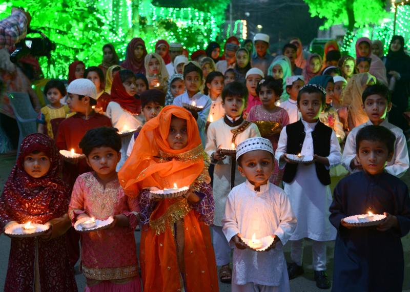 منہاج القرآن کے زیراہتمام بچوں کی استقبال ربیع الاول ریلی