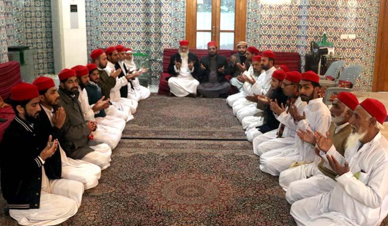 منہاج القرآن کے مرکزی سیکرٹریٹ میں  اے پی ایس کے شہید بچوں کیلئے دعائیہ تقریب
