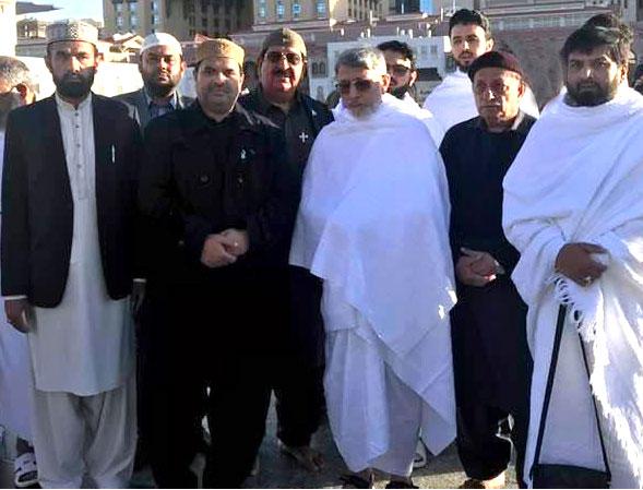 ڈاکٹر محمد طاہرالقادری عمرہ کی سعادت کیلئے مدینہ منورہ سے مکہ مکرمہ روانہ