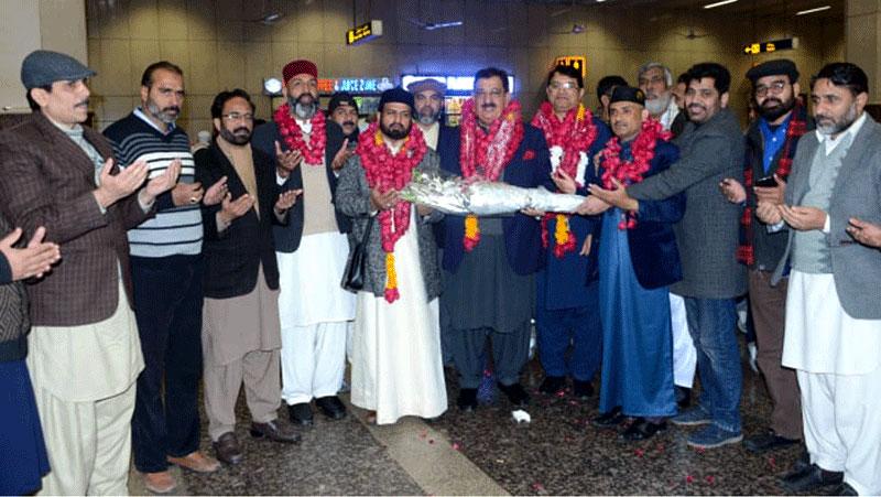 Senior MQI leaders reach Lahore after performing Umra