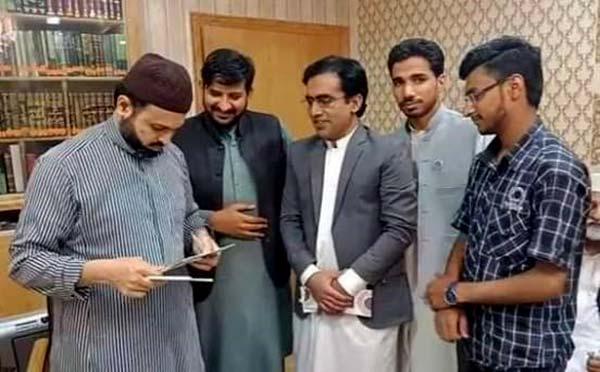 منہاج یوتھ لیگ کے عہدیداروں کی ڈاکٹر حسن محی الدین قادری سے ملاقات